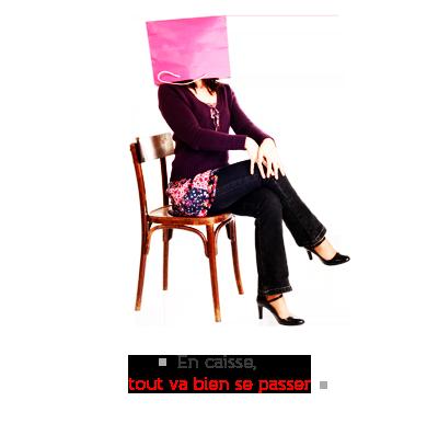 slogan WAVESOFT-Point de Vente - visuel : Une jeune assise, buste très droit, sur une chaise (ancienne chaise de brasserie parisienne en bois blond) avec un sac mode en papier rose sur la tête. Commentaire en baseligne : En caisse tout va bien se passer